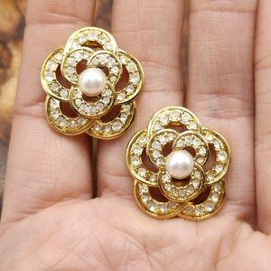 Vintage rhinestones flower pearl 90s Avon classic